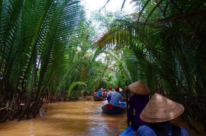 mekong river & delta