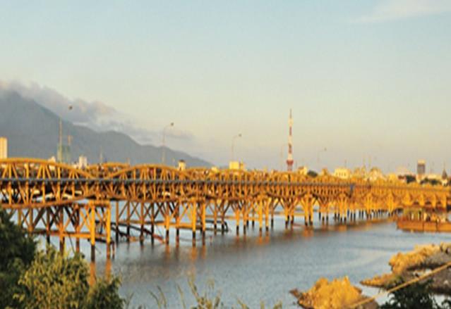 Nguyen Van Troi Bridge in danang