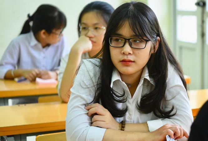 thí sinh dự thi tuyển sinh vào lớp 10 tại Hà nội